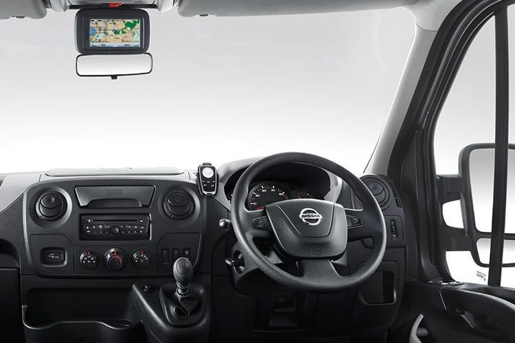 Nissan NV400 HGV L3 45TW RWD 2.3 dCi DRW 145PS SE Chassis Cab Manual [Start Stop] inside view